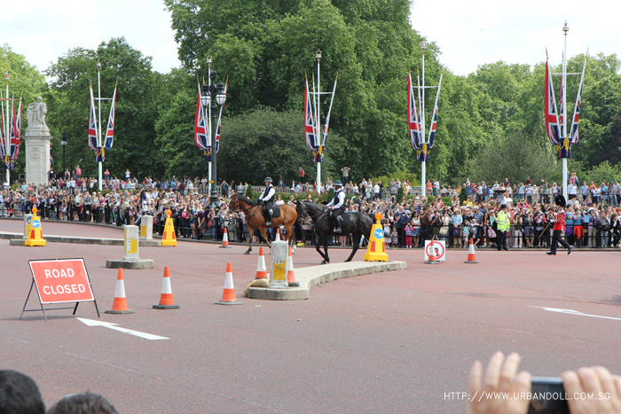 london4-buckinghampalace2