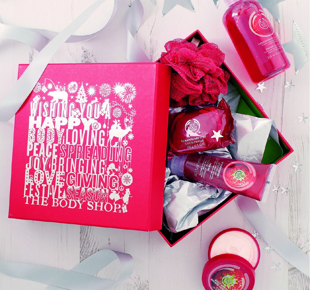10-The-Body-Shop-Gift-Strawberry-Picks-Lifestyle-Shot