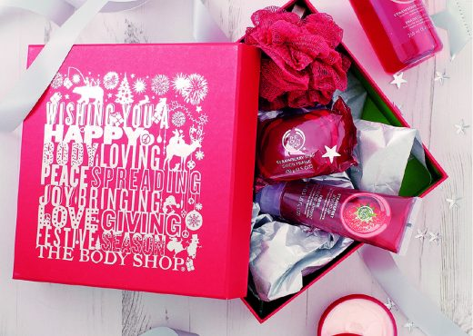 10-The-Body-Shop-Gift-Strawberry-Picks-Lifestyle-Shot